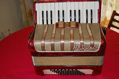 Very Nice 48 Bass Hohner Student, Piano Accordion