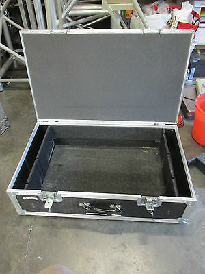 Large hinged black flightcase / flightcase, good for cables, projector, mixer