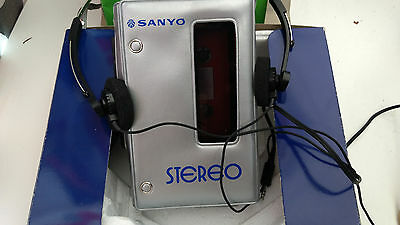 Sanyo m3330 stereo cassette player Walkman