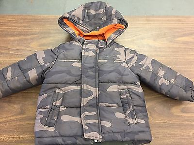 Carters Hooded Puffer Coat With Attached Hood Camo Size 2t Excellent