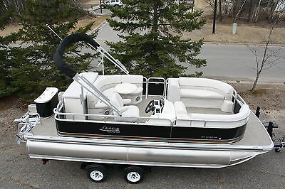 New 21 ft  pontoon boat with High performance tubes with 175 hp and trailer