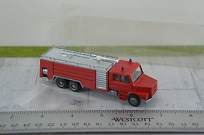 Airport Fire Engine ARFF Truck 1:87 Scale HO