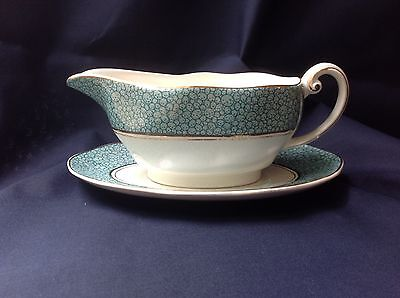 Wedgwood Garden(green) gravy boat with plate
