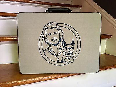 Nellie's All Natural Nugget Soap Laundry Dog Advertising Suitcase Rare Luggage
