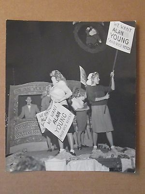 Marilyn Monroe    - Rare Original 1946  Photo - Alan Young Christmas Parade