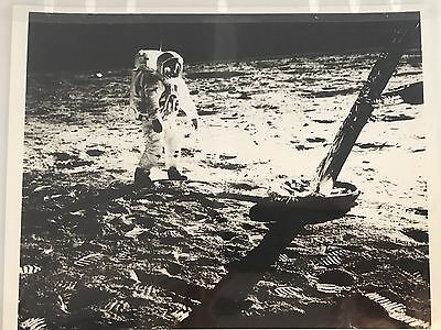 "NASA APOLLO 11 Moon 1969 B&W glossy official press 8""x10"" Photo AS11-40-5902"