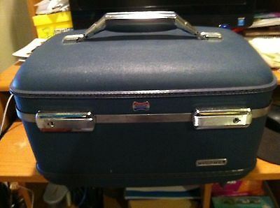 Vintage American Tourist Overnight Travel Cosmetic  Bag In Great Condition.