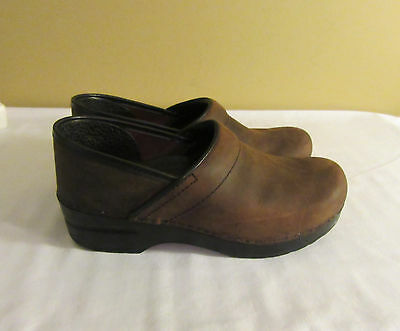 Women's DANSKO Professional Clogs Shoes Brown Oiled Leather Size 38 / 7.5-8 N