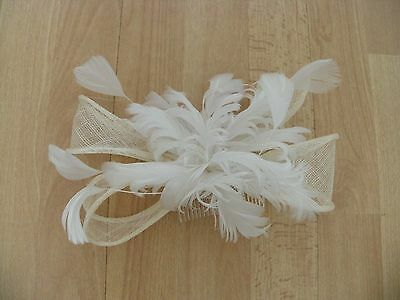 Lovely! Cream Bow Fascinator with White Feathers Wedding/Races used once