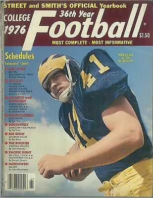 1976 Street & Smith's College Football Preview Magazine