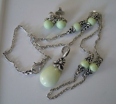 Rare Ann King Honey Dew Magnesite Gaspeite Necklace Earrings Pendant Set