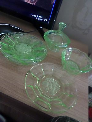 Very retro Green Glass (uranium Glass) - 5 Plates, 1 Bowl, 1 Bowl with lid
