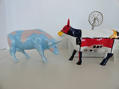 Lot 2 Cow Parade Mooma 9175 2001  Lullaby Cow 9182 2001