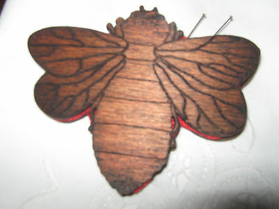vintage bee  wooden sewing pin holder