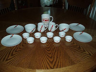 LOT OF 17 - TWA First Class PLATES, BOWLS, CUPS, COFFEE MUG Trans World Airlines