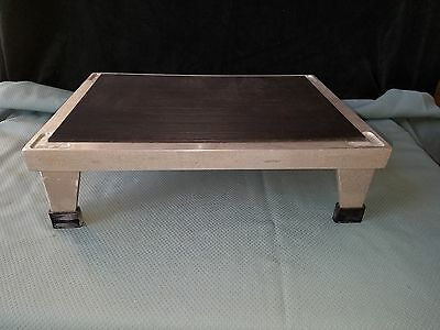 Heavy Duty Cast Aluminum Step Stool Non-Skid Surface Stackable NOS