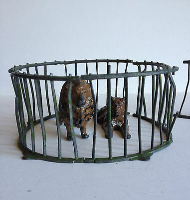 Vintage Britains Toy Zoo Series 2 Lions & Cage Lead Die Cast England Model Rare