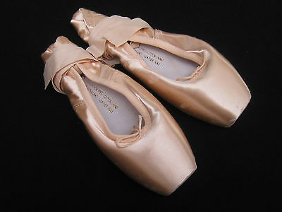 pink satin ballet shoes BLOCH ballet POINTE shoes 6.5 SO 132 Suprima