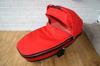 Quinny Foldable carrycot in Red Revolution to fit Buzz Moodd prams