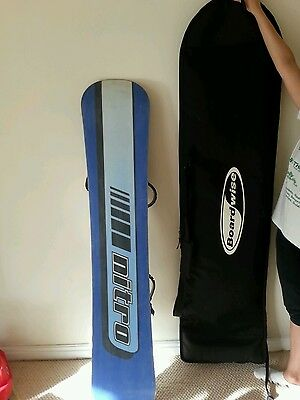 NITRO Snowboard & bindings with boots & a bag!
