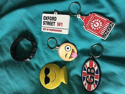 4 keyrings london United Kingdom and emoji ornament