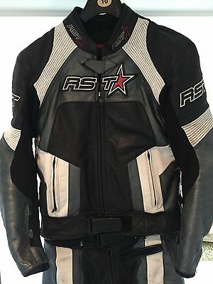 RST Men' 2 piece Motorbike Leathers, Jacket s42, Trousers 32