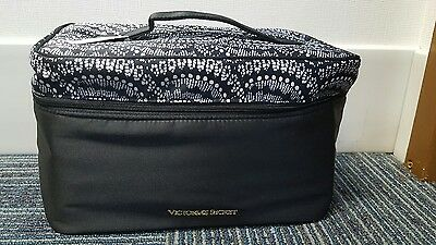 NWT Victoria's Secret Black & White Bra Caddy Lingerie Carrier Travel Case FS