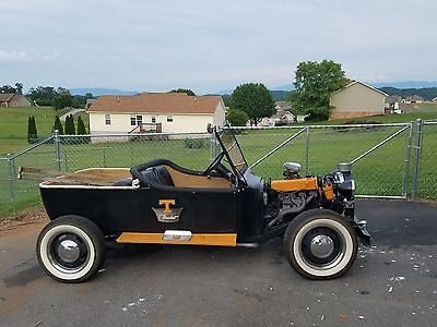 1923 Ford Model T  1923 ford t-bucket
