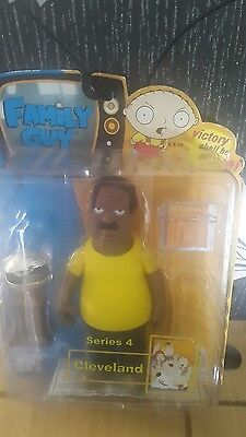 """Family Guy - series 4 - Cleveland Brown  6"""" figure Mezco 2005 boxed"""