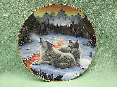 Wolf Plate Winter's Dawn Hamilton Collection Call of the North 1993 Animal Home