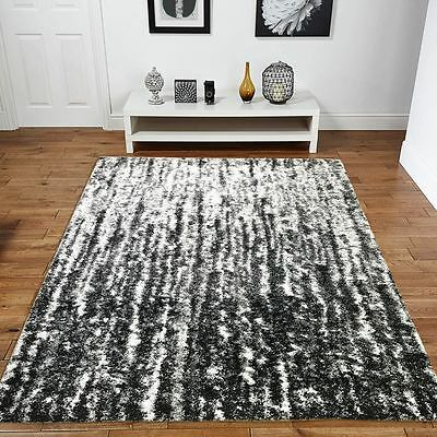High Quality 35mm Pile Modern Contemporary Black White Watercrest Rug 160x30cm