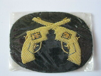 #075 Canadian Forces Insignia RMC or RCMP or Police? pair gold braid