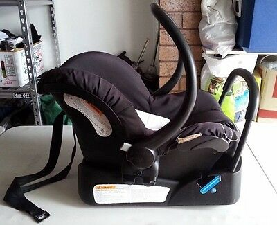 baby capsule car seat - Mothers choice