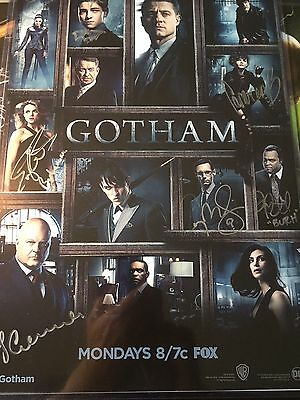 GOTHAM signed poster Wondercon Exclusive 2017 (7 signatures)