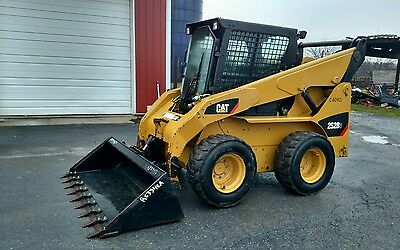 2012 CAT 252B3 skid steer Cab AC/H 433 hrs
