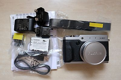 Fujifilm/Fuji X series X30/X-30 12.0 MP Digital Camera - Silver, EVF MINT