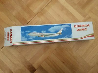 CANADA 3000 AIRLINES AIRBUS A330-200 AIRCRAFT MODEL scale 1/200