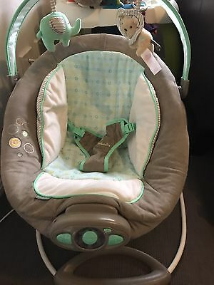 Ingenuity by Bright Starts Gentle Automatic Baby Bouncer