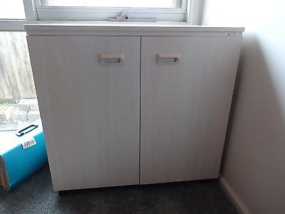 Horn Extendable Sewing Cabinet in EXCELLENT condition