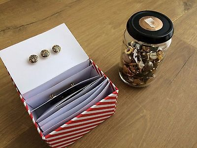 Large job lot of vintage buttons - some loose, some sewn onto cards