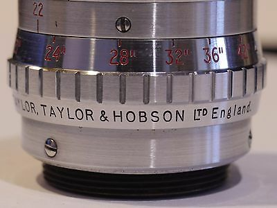 """Tth """"Taylor-Hobson"""" C Mount F1.9, 1 Inch Lens On English 16Mm Bell & Howell"""