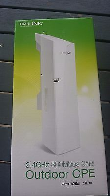 TP-Link CPE210 2.4GHz 300Mbps 9dBi Outdoor CPE Access Point