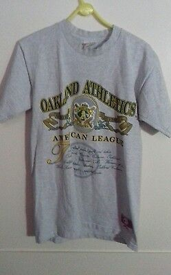 Oakland Athletics Official MLB Tee Shirt size M
