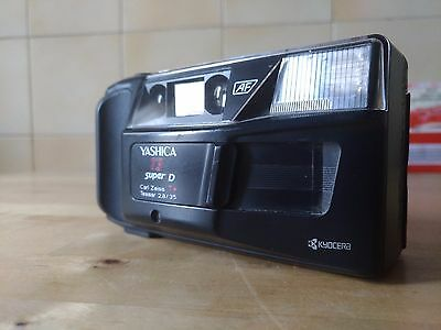 Yashica T3 super D - vintage 35mm camera *T Carl Zeiss