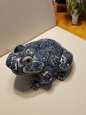 Vintage 1980s china blue willow design large frog marked decorative use only