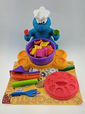 Play-Doh Cookie Monster's Letter Lunch 25 Letter Pieces Sesame Street