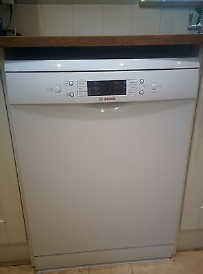 BOSCH Serie 6 ActiveWater SMS68M02GB Full-size Dishwasher - White