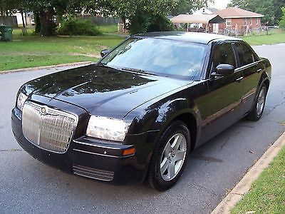 2007 Chrysler 300 Series Touring 2007 Chrysler 300C clean/good on gas