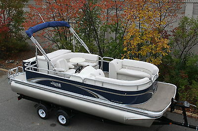 New high end 21 ft pontoon boat----