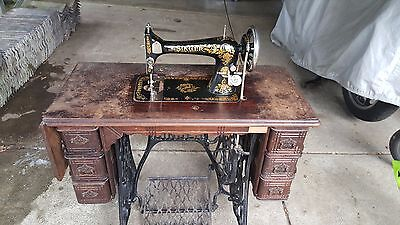 Vintage Singer Sewing Machine with Original Operation Manual and Toolkit